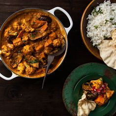 Quick and tasty curry loaded with veg to keep you warm and going all winter long. Easy Vegetarian Curry, Easy Healthy Recipes, Easy Meals, Poppadoms, Fresh Tomato Salsa, Fresh Garlic, Shredded Chicken, The Fresh, Sweet Potato