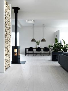 Beautiful nature inspired open space dining and living room with minimal decor    @pattonmelo