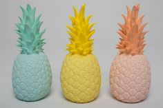 Lampe Ananas / Pineapple light – Bird on the wire www.fr Lampe Ananas / Pineapple light – Bird on the wire www. Pineapple Room, Pineapple Lights, Estilo Tropical, Deco Fruit, Childrens Lamps, Diy Laptop, Pretty Pastel, Room Themes, My New Room