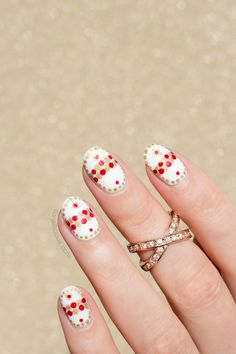 Faberge Easter Egg Nail Art TUTORIAL: http://sonailicious.com/faberge-easter-egg-nail-art-tutorial/