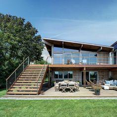 maison en bois far pond facade accces terrasse
