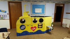 VBS Submarine made of appliance boxes. Tail is separate piece. Periscope moves 360°.