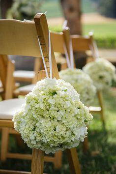 Hydrangeas: http://www.stylemepretty.com/oregon-weddings/2015/05/07/elegant-intimate-oregon-winery-wedding/ | Photography: Altura Studio - http://alturastudio.com/