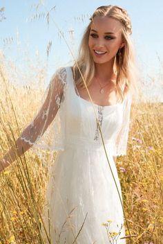 Rembo Styling 2017 Wedding Dress Collection Is Boldly Bohemian - Brautkleider Boho - Vestidos Bohemian Wedding Dresses, Hippie Dresses, Lace Wedding Dress, Boho Dress, Bridal Dresses, Wedding Gowns, 2017 Wedding, 2017 Bridal, Lace Dress