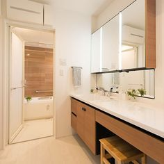 3LDKで、家族の、バス/トイレ/リクシルの洗面台/洗面台/初投稿/北欧/ナチュラルについてのインテリア実例。 「洗面台pic 洗面台...」 (2017-12-15 23:00:19に共有されました) Bathroom Interior, Double Vanity, Kitchen Cabinets, Interior Design, House, Furniture, Home Decor, Kitchen Pantry Design, Washroom