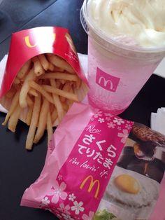 too cuuuute - ○ japan in the future - Fast Food Cute Snacks, Cute Desserts, Cute Food, I Love Food, Good Food, Yummy Food, Pink Desserts, Fast Food, Pink Foods
