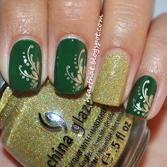 Green & gold holiday mani