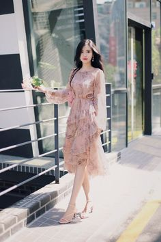 Style girl fashion classy 49 ideas for 2019 Korean Fashion Dress, Ulzzang Fashion, Korean Outfits, Asian Fashion, Fashion Dresses, Dress Outfits, Casual Dresses, Event Dresses, Long Dresses