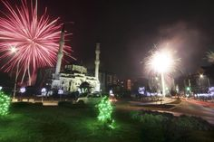 Fireworks explode next to the Bayram Pasa Isa Beg mosque during New Year celebrations in Mitrovica, Bosnia and Herzegovina January 1, 2016.
