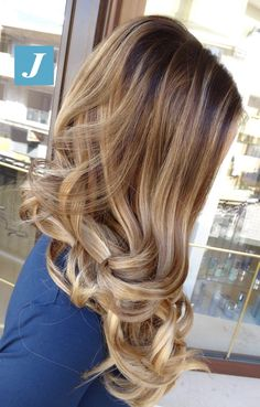 Sfumature perfette. Degradé Joelle! #cdj #degradejoelle #tagliopuntearia #degradé #igers #musthave #hair #hairstyle #haircolour #longhair #ootd #hairfashion #madeinitaly #wellastudionyc