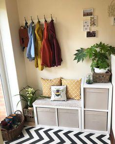 Porch Storage, Hallway Storage, Ikea Storage, Transformer Un Garage, Ikea Hallway, Kallax Shelving Unit, Hallway Designs, Vestibule, Living Spaces