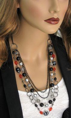 Negro largo con cuentas de collar largo Multi por RalstonOriginals Más