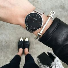 Cluse Minuit Watch Source by msanzotta Big Watches, Stylish Watches, Cool Watches, Watches For Men, Silver Watches, Woman Watches, Amazing Watches, Ladies Watches, Urban Outfit