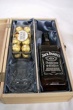 15 The Best Groomsmen Proposal DIY You Will Like /. Now, this time, I wan. -Nice 15 The Best Groomsmen Proposal DIY You Will Like /. Now, this time, I wan. Gift Box For Men, Gift Baskets For Men, Wine Gift Baskets, Present Ideas For Men, Best Man Gift Ideas, Basket Gift, Diy Birthday, Birthday Gifts, Personalised Wooden Box