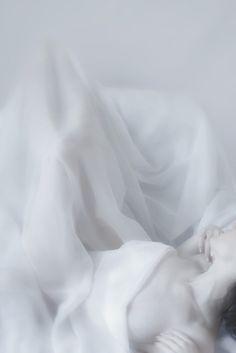 lovemewhite:    Le Reve de la Soie by *my-bohemian-spirit