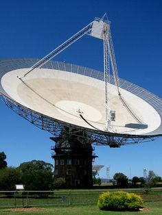 Discover Parkes Radio Telescope in Parkes, Australia: Giant dish located in a sheep paddock was primary receiver of Apollo 11 TV transmissions. Radio Astronomy, Astronomy Facts, Astronomical Observatory, Satellite Dish, Apollo 11, Space Telescope, Space Program, Space Exploration, Spacecraft