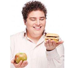 MENOS NO ES MÁS  Muchas personas creen que, al dejar de comer grasas y carbohidratos por completo, lograrán bajar kilos. No es la manera saludable de hacerlo, ya que podrían causar efectos nocivos, desde el efecto rebote hasta anemia.  http://iasoteaperu.org