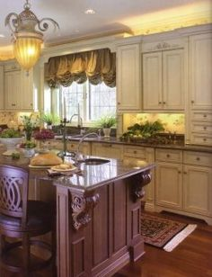 Beauty By Design This Country French Themed Kitchen Features Mouser Custom Cabinetry Let Extraordinary Works Professionals Help You Create