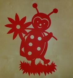 Marienkäfer- Fensterbild aus Tonkarton - Handarbeit - NEU FOR SALE • EUR 5,00 • See Photos! Money Back Guarantee. Marienkäfer Hier biete ich ein wunderschönes Fensterbild aus Tonkarton in liebevoller Handarbeit mit Skalpell und Schere ausgeschnitten an. Das Fensterbild ist 29 X 39 cm groß. Aufgrund der Größe leider 282396837371 Diy And Crafts, Paper Crafts, Kirigami, School Decorations, Paper Stars, Silhouette Machine, Paper Cutting, Quilling, Painted Rocks