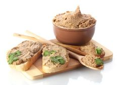 Homemade pâtés are delicious and well tested through time. Their huge advantage is that unlike in the ones from the supermarket. Appetizer Recipes, Appetizers, Polish Recipes, Polish Food, Ham, Peanut Butter, Food And Drink, Cooking Recipes, Homemade