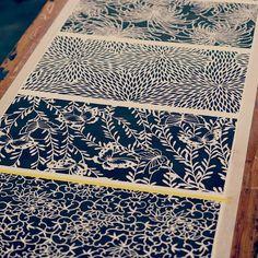 Japanese textiles Tissus japonais Japon / Japan make great patterns , and I love the versatility of having different, but matching patterns. Textile Pattern Design, Graphic Design Pattern, Surface Pattern Design, Textile Patterns, Textile Prints, Pattern Art, Print Patterns, Floral Patterns, Japanese Textiles
