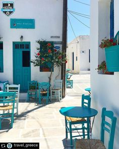 Nice cafe in Serifos island, Cyclades, Greece Beautiful World, Beautiful Places, Turquoise Furniture, Places In Greece, Greek Design, Holiday Places, Greece Islands, Destinations, Places Of Interest