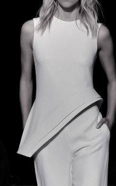 Brandon Maxwell Spring 2016 Ready-to-Wear Fashion Show Runway Fashion, Spring Fashion, Fashion Show, Womens Fashion, Fashion Trends, Fashion Designer, White Fashion, Fashion Details, Minimalist Fashion