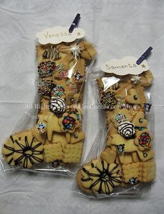 Befana in biscuit stocking the Befana arrives!- Calza della befana in biscotto la Befana arriva! – In Cucina con Me Socks for girls - Mexican Christmas, Italian Christmas, Christmas Dishes, Christmas Sweets, Christmas Gift Wrapping, Christmas Baking, Christmas Time, Holiday, Biscotti Biscuits