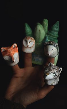 Finger puppet theater for children and adults masha razner Mr Finch, Crafts For Kids, Arts And Crafts, Puppet Making, Christmas Toys, Christmas 2016, Ceramic Animals, Paperclay, Cute Toys