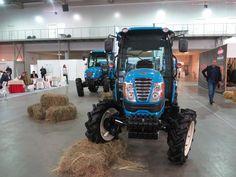 LS Tractors – новые тракторы на выставке «АгроКомплекс 2017» в Киеве