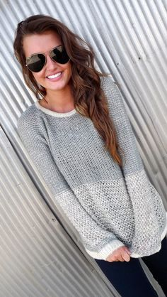 Cute two-toned, multi stitch sweater. Looks fairly simple! I like the look. use simple pullover sweater and subst. Fall Winter Outfits, Autumn Winter Fashion, Fall Fashion, Fashion Trends, Winter Stil, Fashion Outfits, Womens Fashion, Passion For Fashion, Dress To Impress
