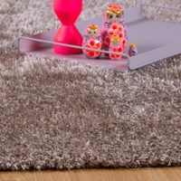 LASTENHUONEEN MATOT :: Flying-carpet-oy Shag Rug, Taupe, Triangle, Rugs, Design, Products, High Hair, Make Envelopes, Pallets