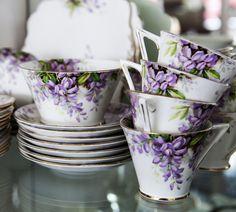 teacups saucershttp://media-cache-ec5.pinterest.com/upload/105764291218578968_e669Pzsl_b.jpg