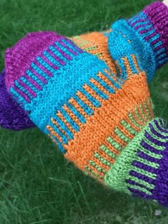 16 Free Knitting Patterns for Great Winter Knitting Projects Knitting Patterns Patterns Dominostein Muster Knitted Mittens Pattern, Loom Knitting Patterns, Knit Mittens, Knitting Stitches, Knitting Socks, Free Knitting, Knitting Projects, Knitted Hats, Crochet Patterns