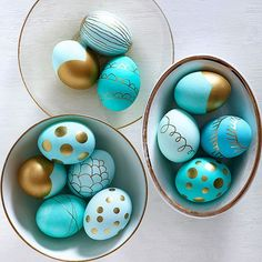 To make this Easter egg design, turn to metallic-hue paint pens after dying your eggs. Simply draw whatever suits you, from polka dots to stripes to a dip-dyed effect: http://www.bhg.com/holidays/easter/eggs/quick-and-easy-easter-egg-decorations/?socsrc=bhgpin032714metallicdippedeastereggs&page=4