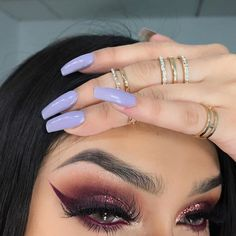 """Causal Valentine's Day inspired look. DETAILS Brows: @anastasiabeverlyhills #dipbrowpomade & #abh brow powder in 'ebony' set with #abh clear brow gel @anastasiabeverlyhills modern renaissance palette @anastasiabeverlyhills liquid lipstick in """"trust issues"""" (as eyeliner) @bulkglitters for glitter Contacts: @solotica_official use 'tephadoll' for $$$ off Lashes: @divinelashco in style 'Selena' Rings from @forever21"""