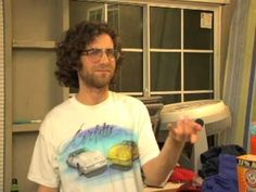 Kyle Mooney singing while doin chores Haha Funny, Funny Guys, Kyle Mooney, Saturday Night Live, My Everything, Man Humor, Cute Guys, Comedians, Singing