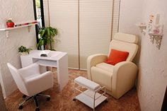 Ideas pedicure spa salon manicure station for 2019 Home Nail Salon, Nail Salon Decor, Beauty Salon Decor, Manicure Station, Nail Station, Pedicure At Home, Pedicure Spa, Privates Nagelstudio, Beauty Cabin