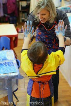 Polar Bear Process Art (Play to Learn Preschool) Preschool Art Projects, Preschool Learning Activities, Preschool Curriculum, Art Activities, Kindergarten, Polar Bear Paint, Letter D Crafts, Polar Animals, Winter Crafts For Kids