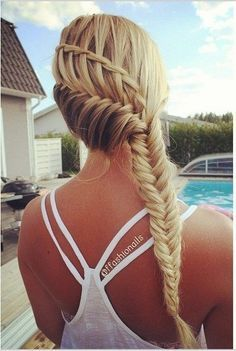 Combo Cool Braided Hairstyle - Summer Hairstyles for Long Hair wasserfall, 10 Pretty Waterfall French Braid Hairstyles 2020 Half Braided Hairstyles, African Hairstyles, Easy Hairstyles, French Hairstyles, Hairstyles Pictures, Casual Hairstyles, Latest Hairstyles, Hair Pictures, Summer Hairstyles