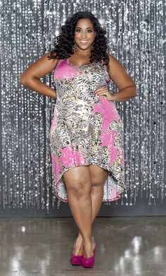 Trendy plus size hi lo dress in a bold print that is a beautiful mix of zebra, pink and gold foil. The Brandi can be paired with leggings for more coverage.