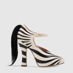 Gucci Women - Zebra leather pump - 447597DMBB09083