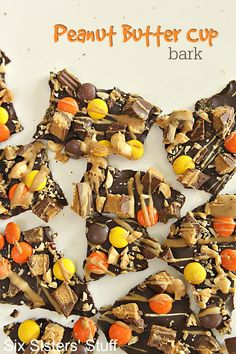 Peanut Butter Cup Bark Recipe on SixSistersStuff.com - the perfect way to use up some of that Halloween candy! Also makes a great Christmas gift for neighbors or treats for parties