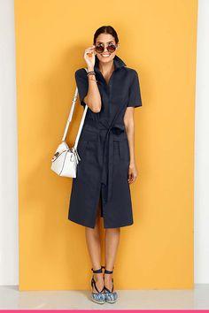 Klassisk og trendy kjole med knyting Duster Coat, Pants, Jackets, Fashion, Trouser Pants, Down Jackets, Moda, Fashion Styles, Women Pants