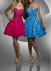 Glamorous Chiffon & Lace A-line Strapless Sweetheart Knee Length Cocktail / Homecoming Dresses