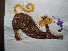 Colcha Patchword gato 5 Cat Applique, Applique Quilts, Crazy Cat Lady, Crazy Cats, Cat Quilt, Animal Quilts, Quilt Stitching, Cat Pattern, Couture