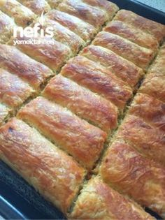 Crispy Beef Pie with Crispy Leek - Rezepte Mince Pies, Beef Pies, Crispy Beef, Turkish Kitchen, Empanadas Recipe, Yummy Food, Tasty, Yummy Recipes, Lunch Snacks