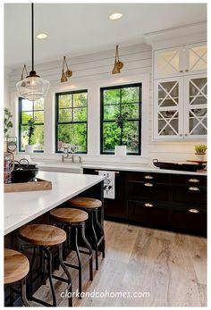 Modern Farmhouse Kitchens, Black Kitchens, Home Kitchens, Farmhouse Ideas, Rustic Farmhouse, Farmhouse Windows, Interior Design Farmhouse, Kitchen Modern, Dream Kitchens