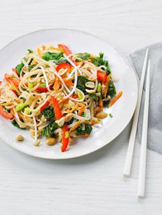 Try this Vegetable Pad Thai. Healthy quick meals, perfect for the family! You need to dig to find the recipe. Its Here: http://www.redbookmag.com/recipefinder/vegetable-pad-thai-recipe http://hi5health.com/