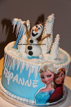 lekker zoet: Frozen taart voor Ryanne 7 jaar met Olof erop